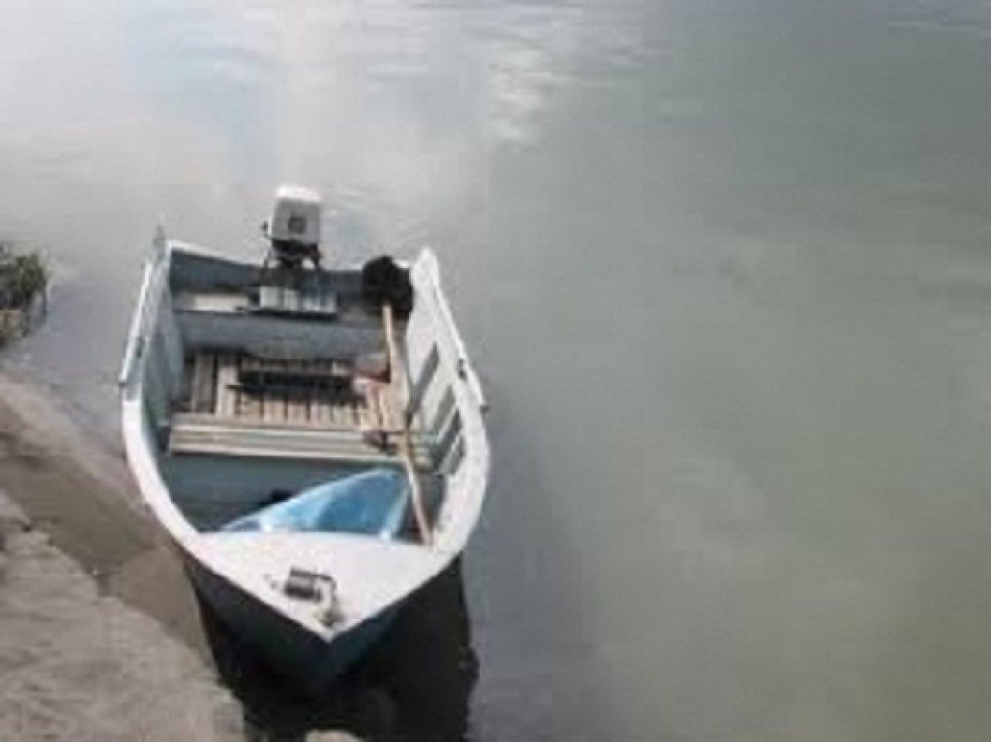 может ли перевернуться моторная лодка